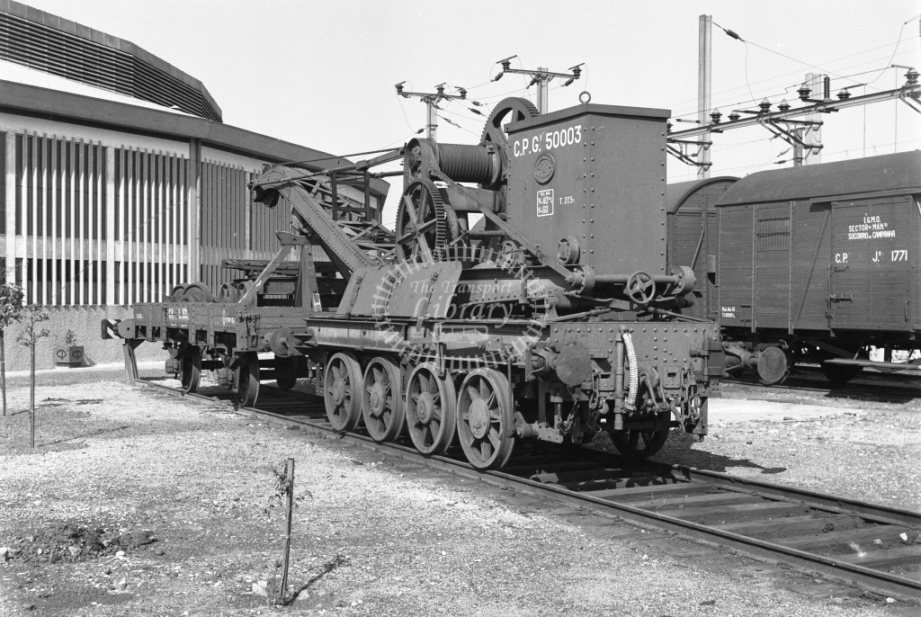CP 50003 8 wheel hand crane at Contumil MPD, Porto 1969 (Frank Saunders) - Lens of Sutton Association Portugal Collection