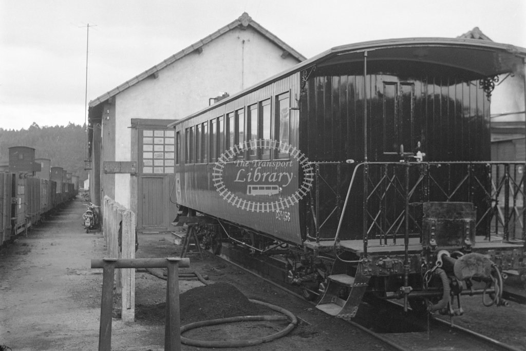 CP 453 second class coach newly repainted at Sernada da Vouga 1969 (Frank Saunders) - Lens of Sutton Association Portugal Collection
