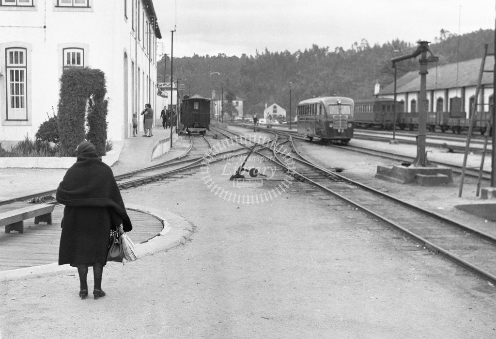 CP station scene looking to the buffers at Sernada da Vouga 1969 (Frank Saunders) - Lens of Sutton Association Portugal Collection