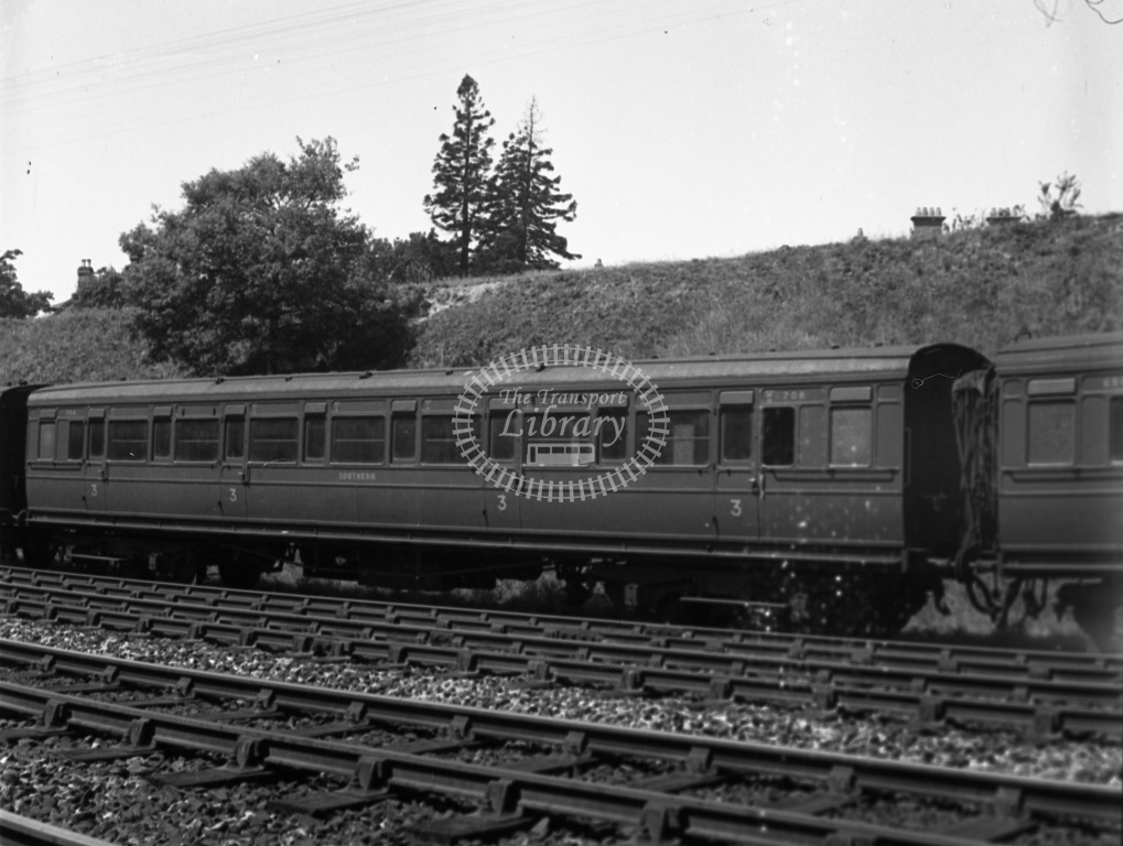 Blog - Denis Cullum Lens of Sutton Southern Carriages stations