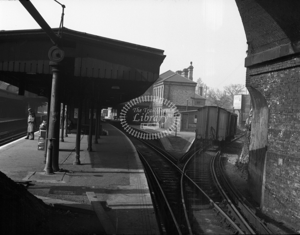 British Railways Station View at Chatham in 1959  - View of down loop from country end of down platform - Denis Cullum