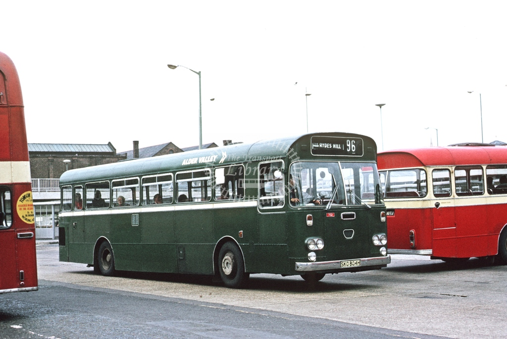 Alder Valley Daimler SRG6 712 SKO804H  at Guildford Bus Stn  in 1974 -  Oct  - Roy Marshall