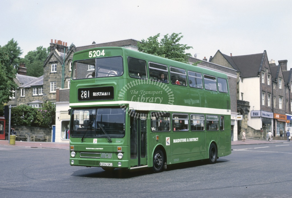Maidstone and District MCW DR102 5204 A204OKJ at T Wells in 1984 - Jun-84 - Roy Marshall