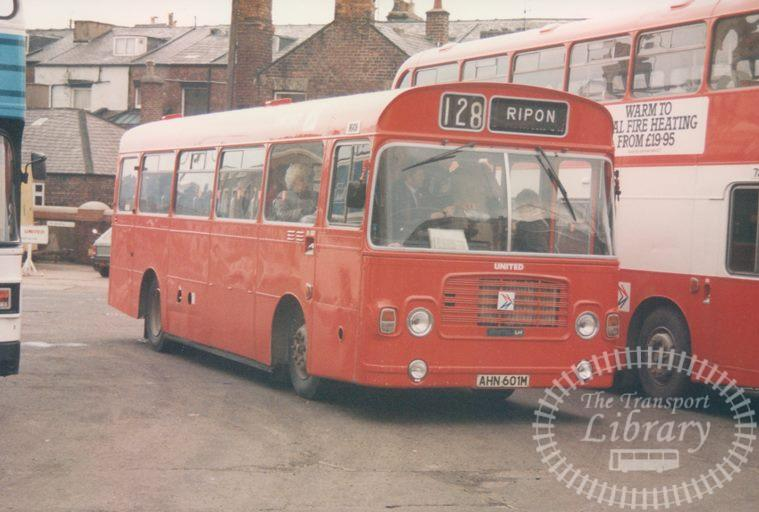United Bristol LH 1601 AHN601M at Scarborough in 1986 on route 128 - 19/04/1986 - Malcolm Hyland