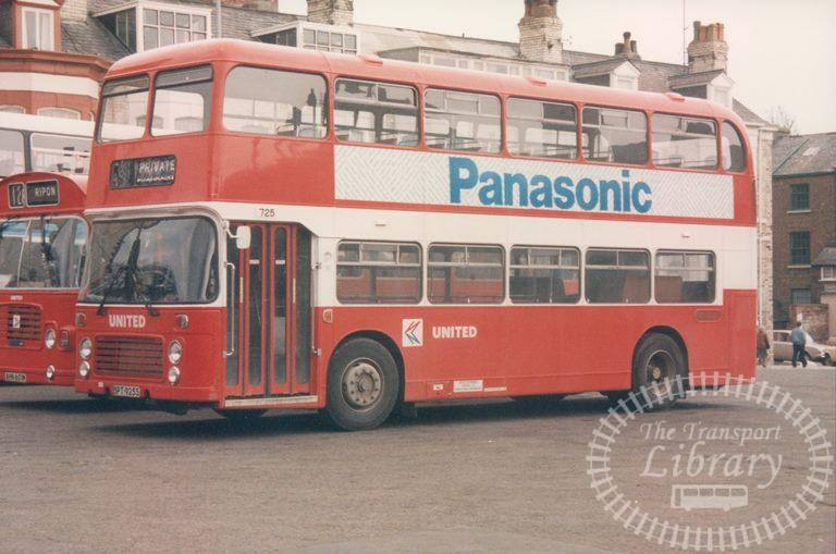 United Bristol VR 725 BPT925S at Scarborough in 1986 on route Unknown - 19/04/1986 - Malcolm Hyland