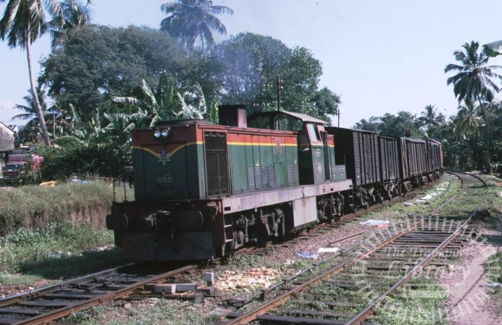 Sri Lanka Railways Diesel Locomotive 650  in 2000 - Mike Reynolds