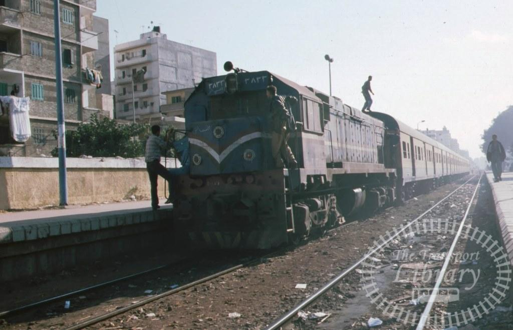 Egyptian National railways Diesel Locomotive 3833  in 1999 - Mike Reynolds