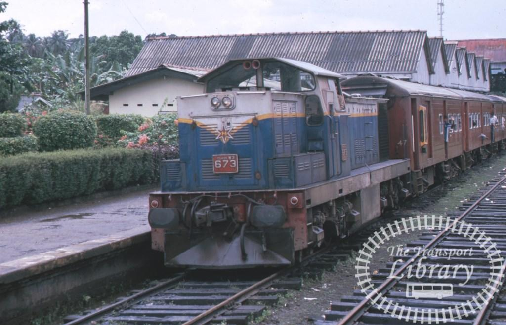 Sri Lanka Railways Diesel Locomotive 673  in 2000 - Mike Reynolds