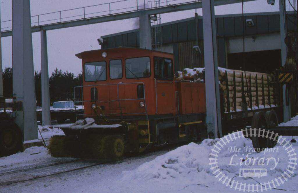 VR Finland Railways Diesel Locomotive  at Rovanimi in 1987 - Mike Reynolds