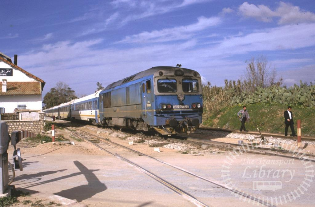 SNCFT Tunisian Railways Diesel Locomotive 040 DD 322  at Tunis in 1990 - Mike Reynolds