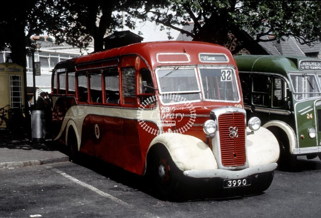 Guernsey Motors Commer 29 3990 at St Peter Port in Undated - Roy Marshall