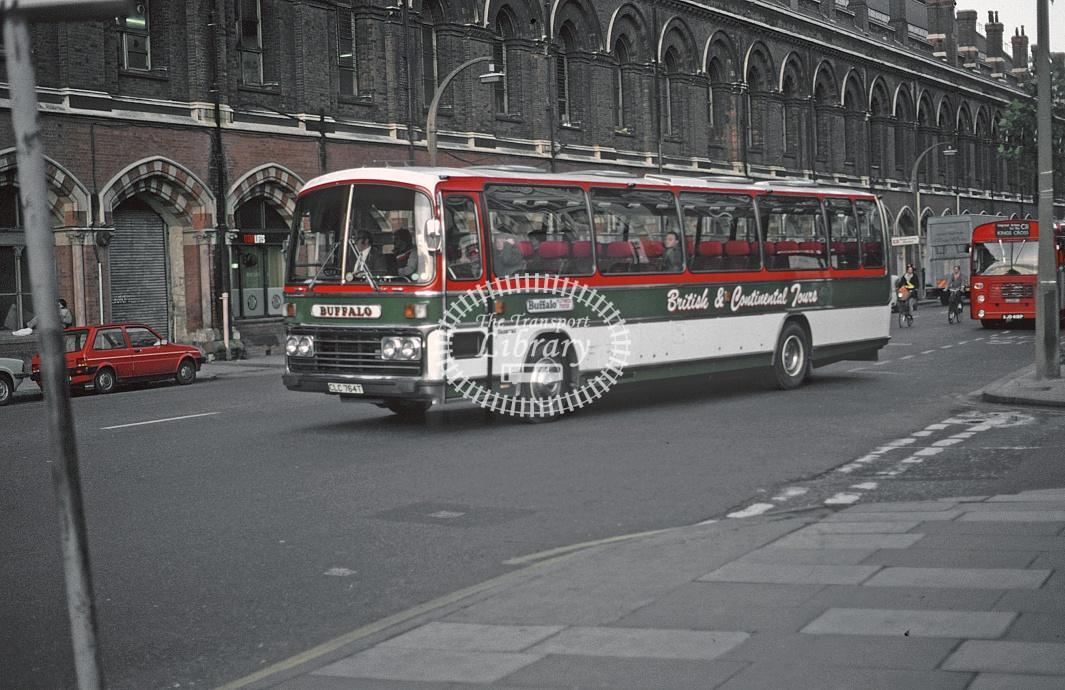Group Travel, Flitwick Volvo B58 CLC764T at London King's Cross in 1982 - Nov 1982 - Roy Marshall