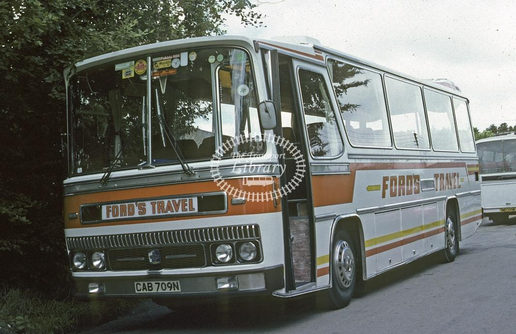 Ford, St Anns Chapel Bedford YRQ CAB709N at Depot/Garage in 1982 - Jul 1982 - Roy Marshall