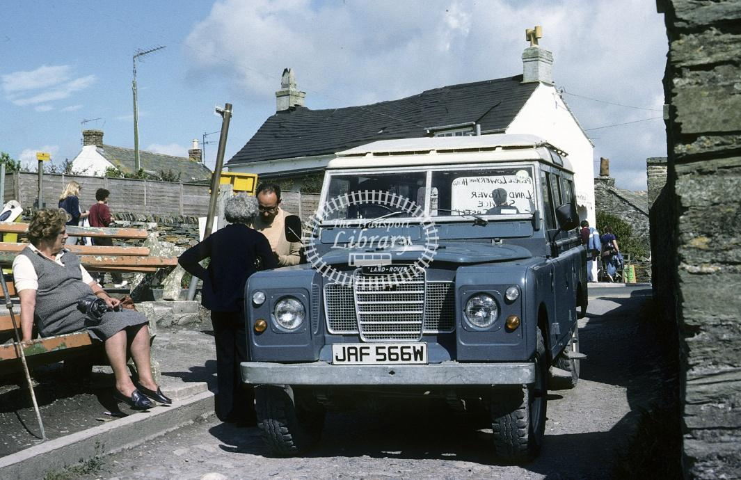 Fry, Tintagel Land Rover JAF566W at Tintagel in 1982 - Jul 1982 - Roy Marshall