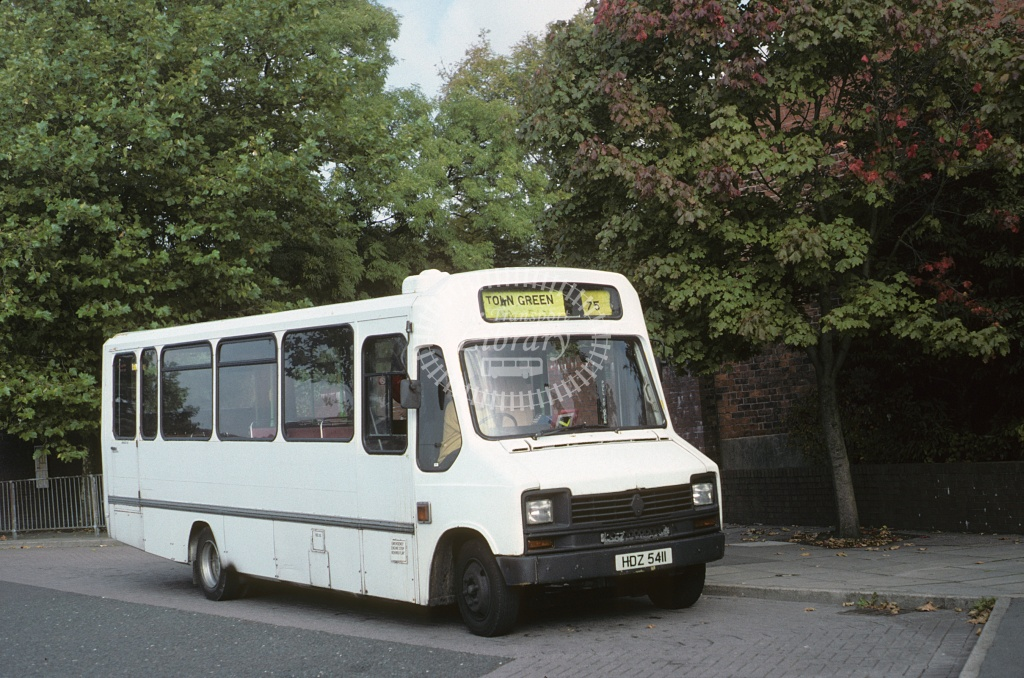 Pugh (Town Flyer/Clock Face),  Renault S75 HDZ5411 at Ormskirk in 1993 - Oct 1993 - Roy Marshall
