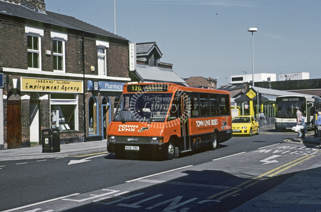 Town Lynx (Hartrley), St Helens Optare MR15 M216TNU at St Helens in 1995 - Jun 1995 - Roy Marshall