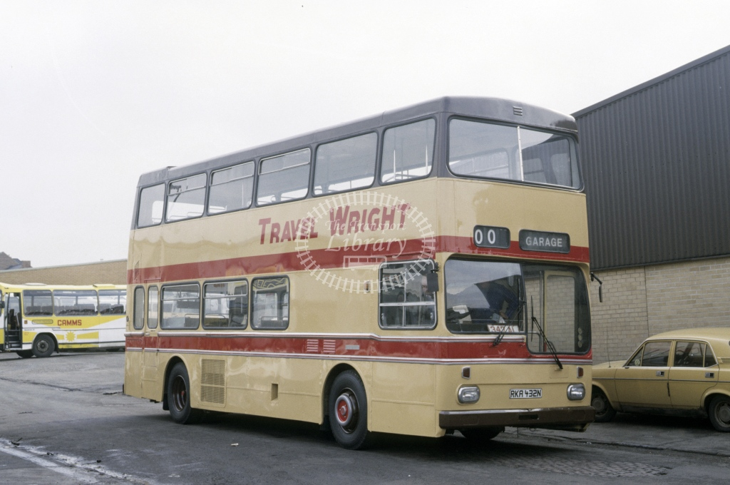 Wright, Newark Scania BR111 874 RKA462N  at Camms  in 1987 - Mar - Roy Marshall