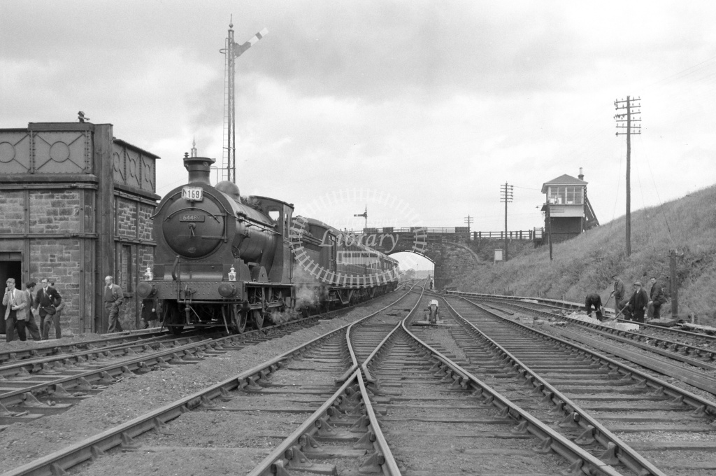 BR British Railways Steam Locomotive Class J35 64489  at Smeaton in 1960 - 11/06/1960 - Neville Stead Collection