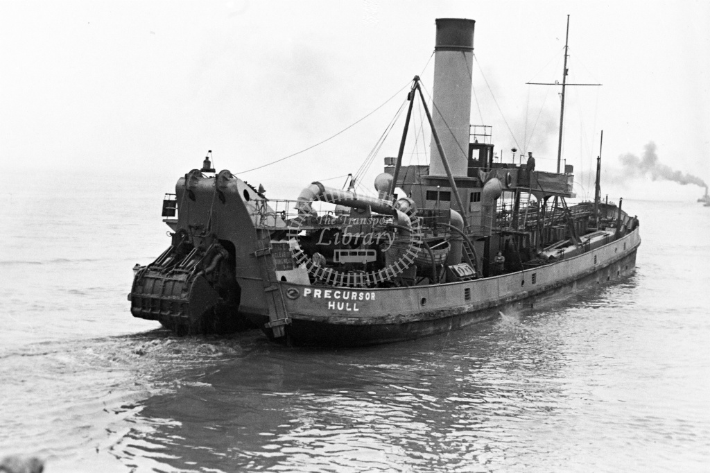 HandBR Dredger  in Undated - Neville Stead Collection
