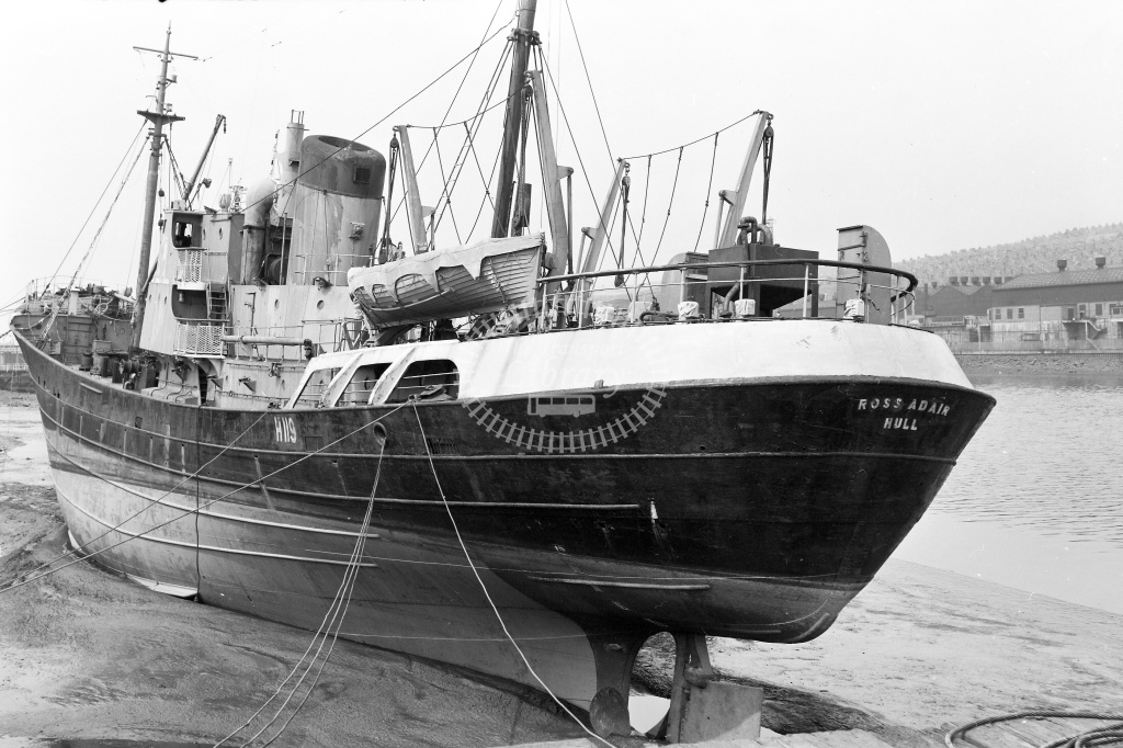 Trawler  at Dunston in Undated - Neville Stead Collection