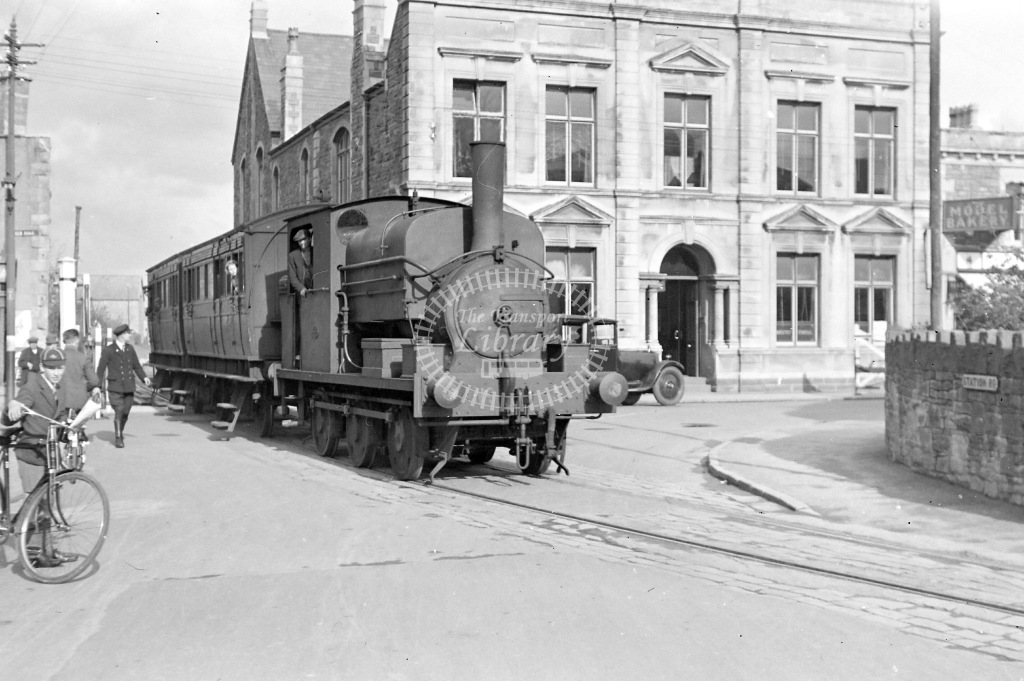 Weston Clevedon and Portishead Railway Steam Locomotive Class Manning Wardle 1970 No. 5  at Clevedon in 1935 - 20/04/1935 - Neville Stead Collection