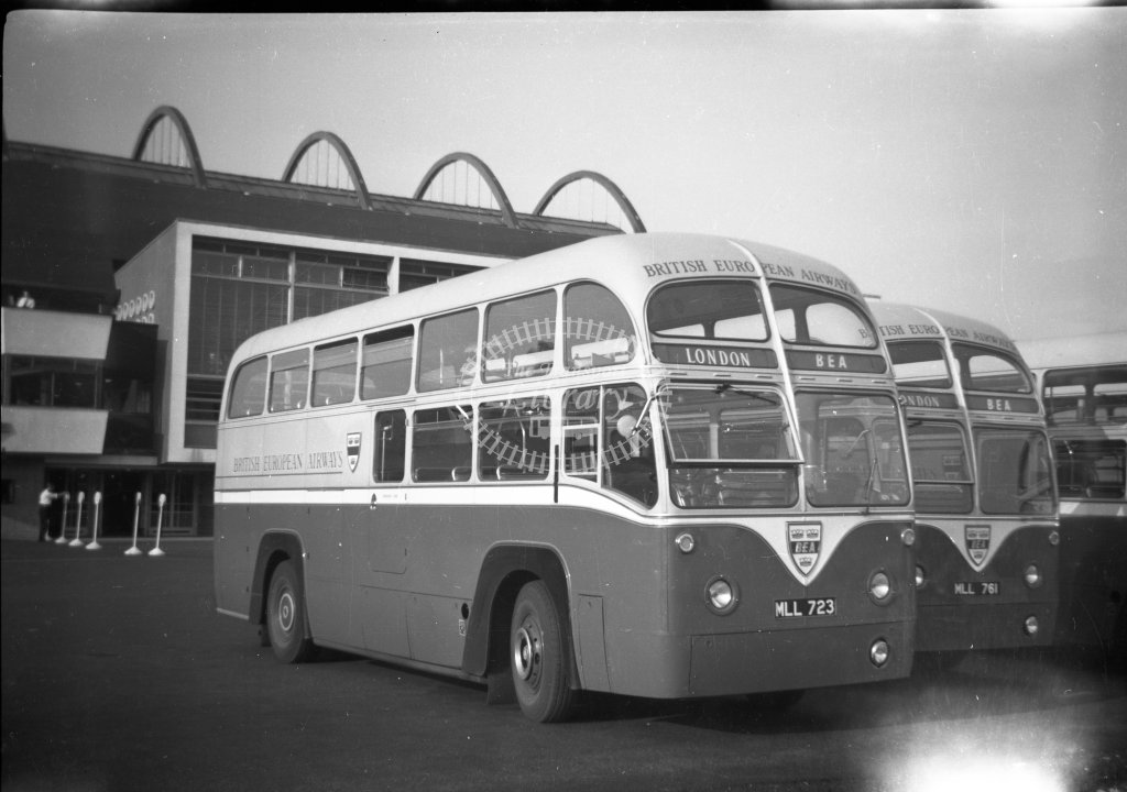 ME-B032 - BEA 4RF4 coaches MLL723 and MLL761 - Marcus Eavis - Online Transport Archive