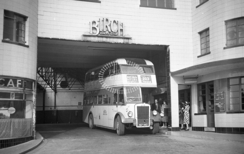 ME-B055 - Birch Bros HLY483 route 203 - Marcus Eavis - Online Transport Archive