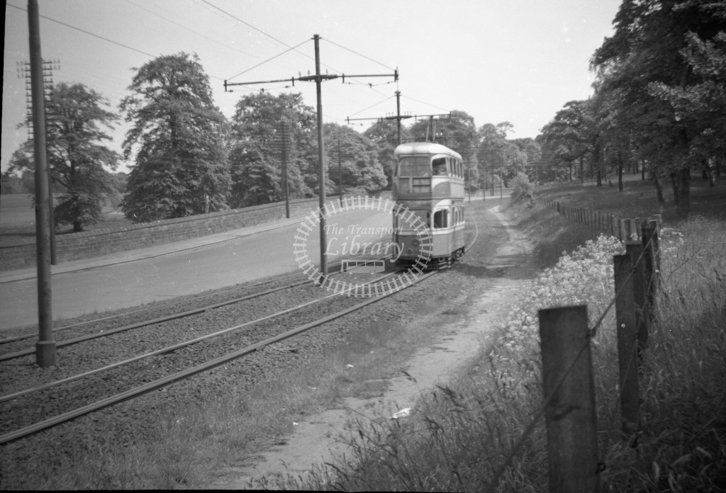 JT-T92 - Glasgow trams - reserved track west of Langloan looking eas - - 13 June 1954 - Julian Thompson