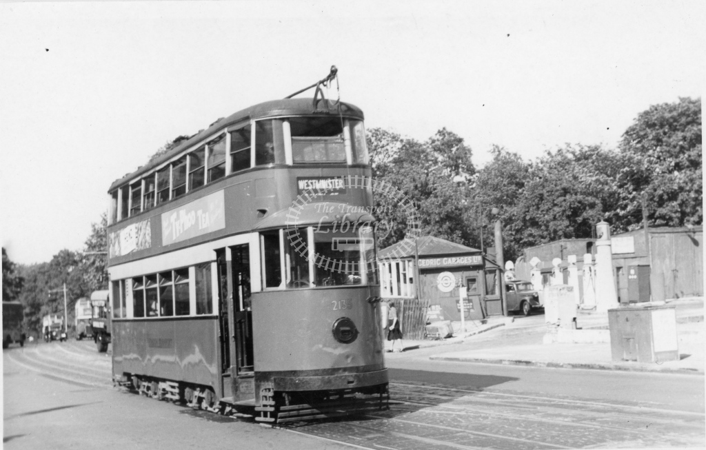 Meredith 80-4 - LT 2135 - New Park Road, Brixton Hill - 5 August 1949 - Online Transport Archive