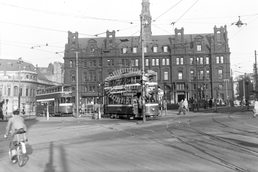 Leeds Corporation Tramways Tram/Strassenbahn 548 + 1 non-ID  at Leeds city centre  in 1951 -  24/09/1951  - Peter Gray