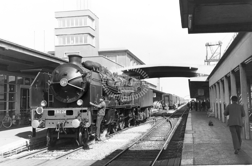 SNCF French Railways Steam Locomotive Class 231E 231 E 24  at Calais  in 1959 -  14/06/1959  - Peter Gray
