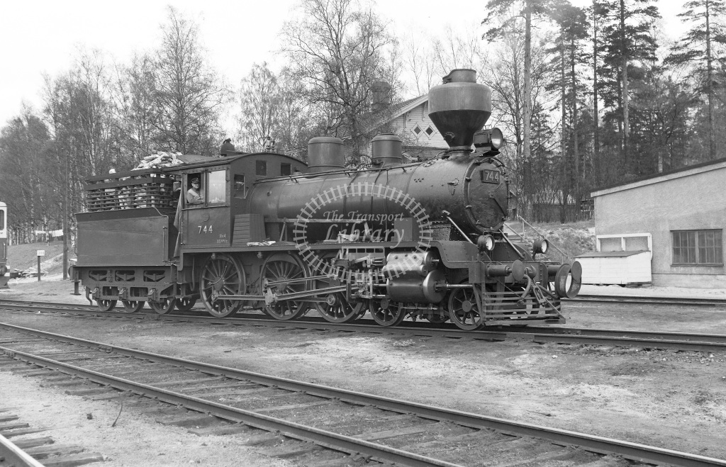 VR Finland Railways Steam Locomotive Class Vr Class Hv4 4-6-0 744  in 1962 -  01/05/1962  - Peter Gray