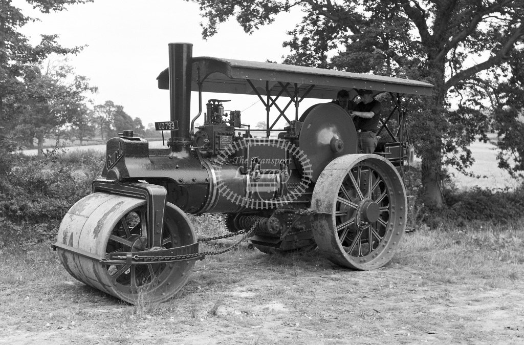 Private Owner Traction Engine Class Burrell roller (b.1926) UO 793 4041  at Upton Pyne  in 1966 -         September - Peter Gray