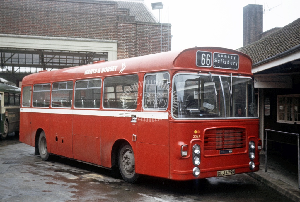 Hants and Dorset / Wilts and Dorset Bristol LH6L 3547 GLJ479N at Winchester Bus Stn in 1975 - 27454 - Peter Henson