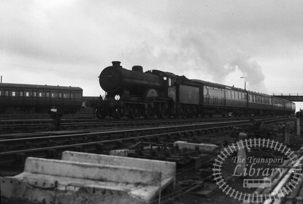 BR British Railways Steam Locomotive Class D16/3 62586  at Yarmouth in 1956 - 05/04/1956 - Peter Hay