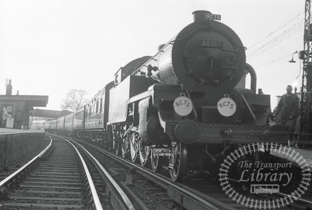 BR British Railways Steam Locomotive Class H16 30517  at Chertsey in 1954 - 25/04/1954 - Peter Hay
