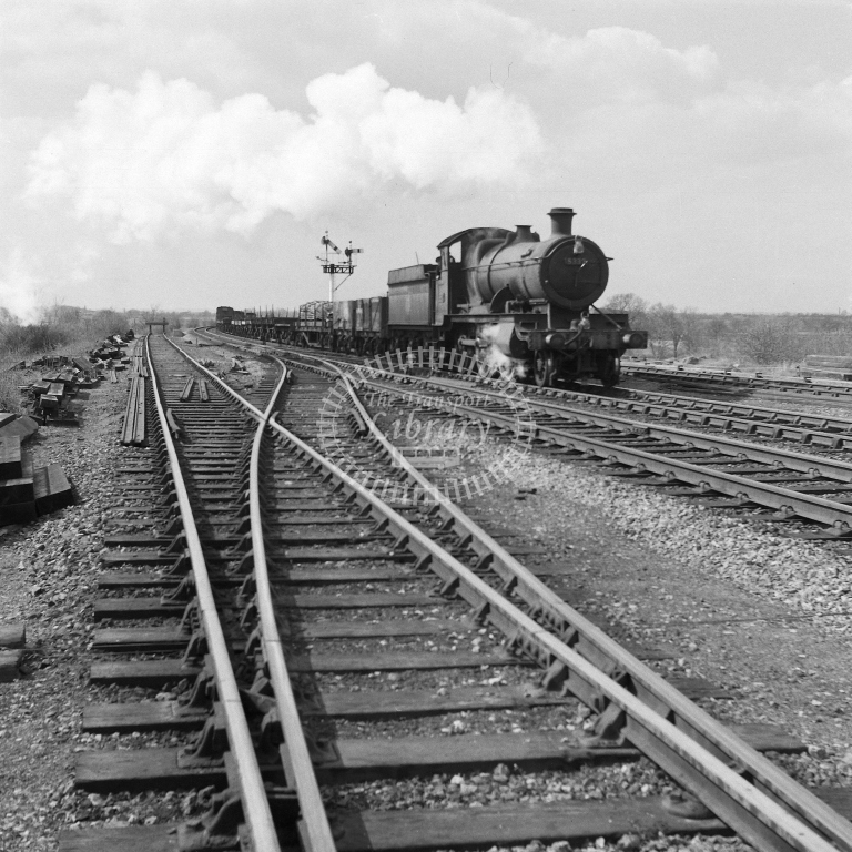 5332 Up frt, Fosse Road 19/4/56 - RCR7090 - R C Riley