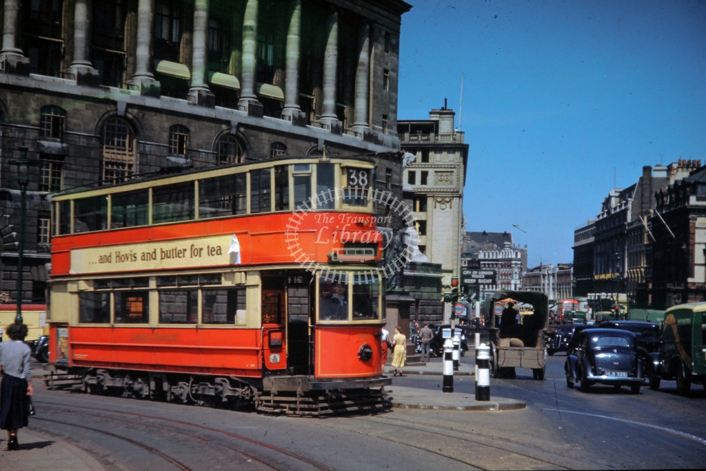 London Transport Tram/Strassenbahn 595  on route 38  at Blackfriars Bridge  in 1952 -  Aug - R E Vincent
