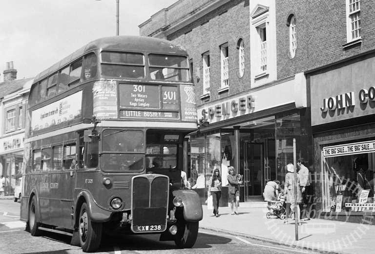 London Country AEC Regent Class RT RT3129 KXW238 at Aylesbury ,High Street  in 1974 on route 301 - Russell Fell