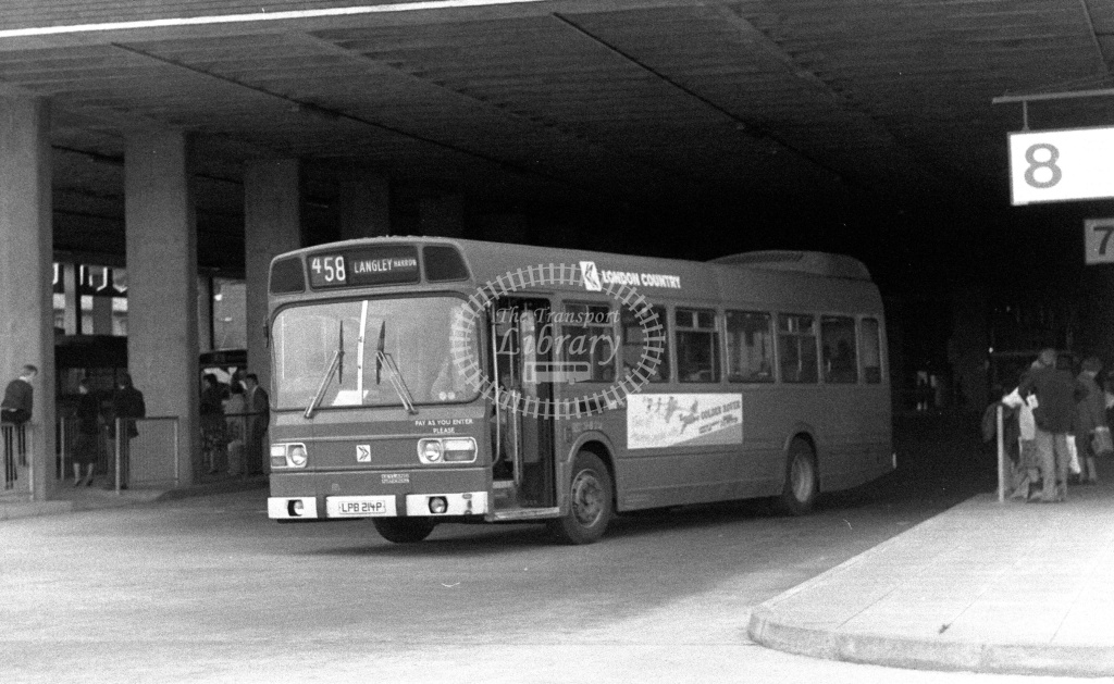 London Country Leyland National Class SNB SNB214 LPB214P at Slough ,Bus Station  in 1978 on route 458 - Russell Fell