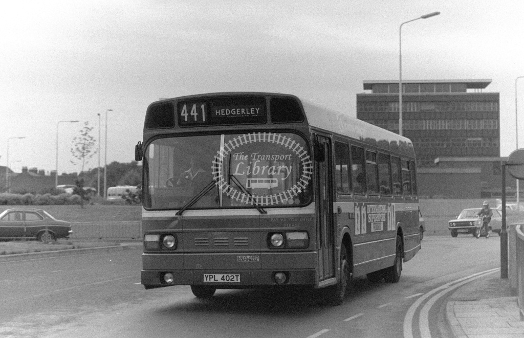 London Country Leyland National Class SNB SNB402 YPL402T at Slough ,Bus Station  in 1978 on route 441 - Russell Fell
