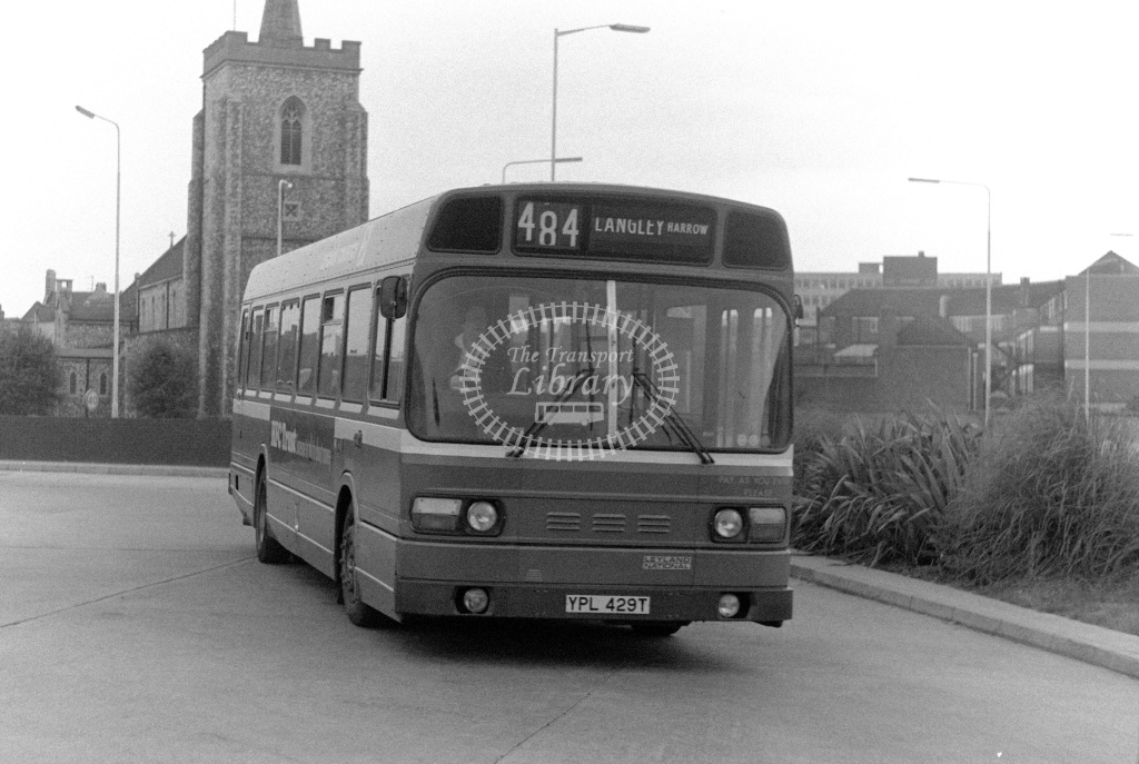London Country Leyland National Class SNB SNB429 YPL429T at Slough ,Bus Station  in 1978 on route 484 - Russell Fell