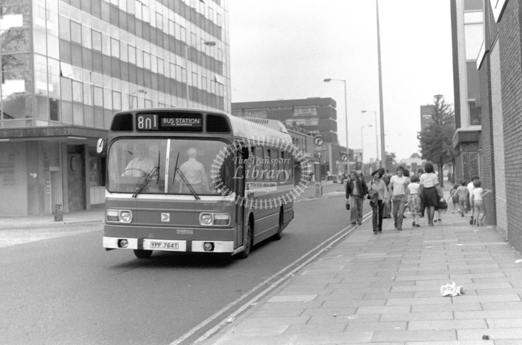 London Country Leyland National Class SNB SNB364 YPF764T at Stevenage ,Danestrete  in 1978 on route 801 - Russell Fell