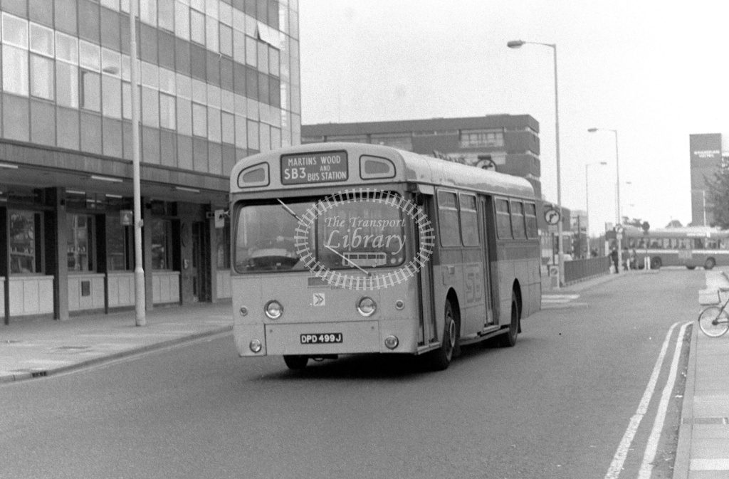London Country AEC Swift Class SM SM499 DPD499J at Stevenage ,Danestrete  in 1978 on route SB3 - Russell Fell