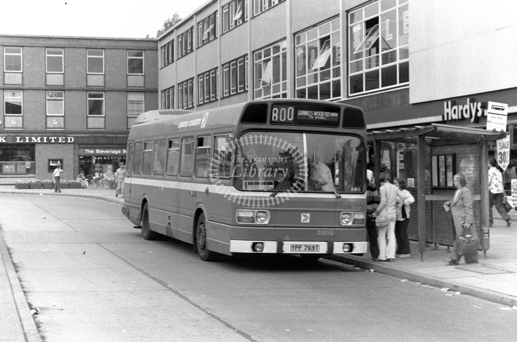 London Country Leyland National Class SNB SNB369 YPF769T at Stevenage ,Bus Station  in 1978 on route 800 - Russell Fell