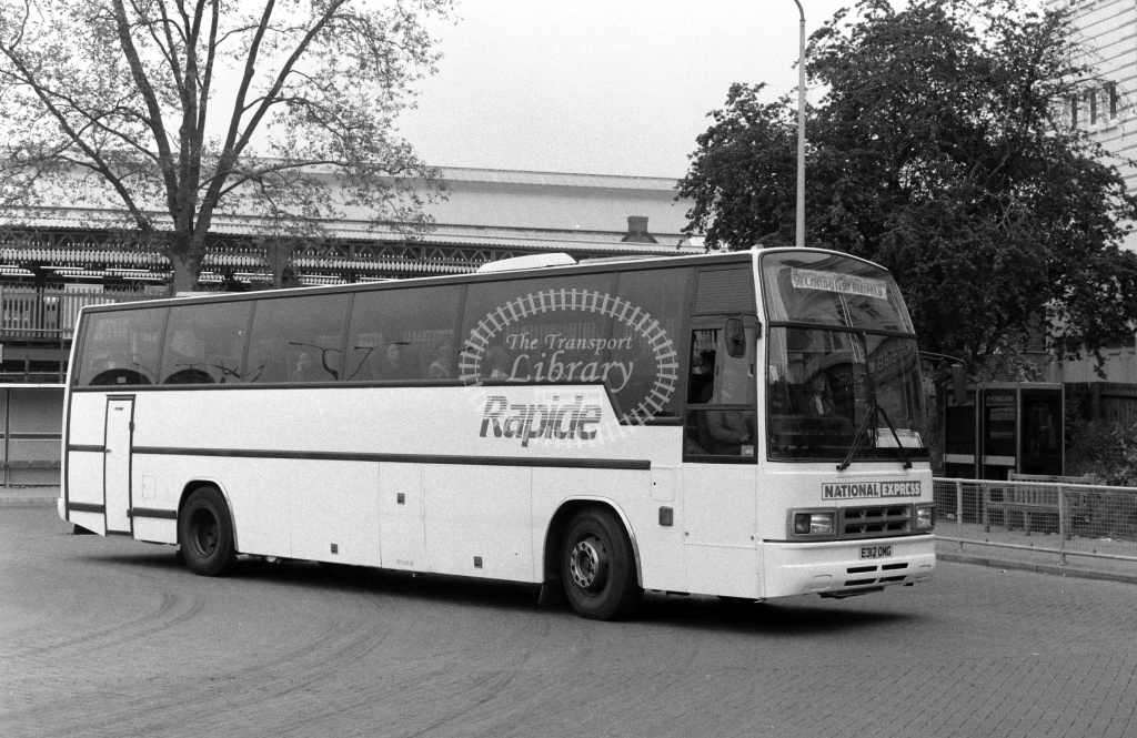National Express Rapide Volvo B10M E312OMG at Golders Green ,Bus  Station  in 1989 on route 561 - Russell Fell