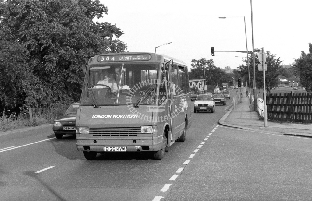 London Northern MCW Metrorider Class MR MR26 E126KYW at High Barnet ,Barnet Hill  in 1989 on route 384 - Russell Fell
