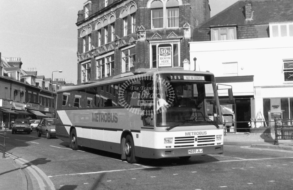 Metrobus Leyland Tiger H220JLJ at Bromley ,Market Square  in 1989 on route 705 - Russell Fell