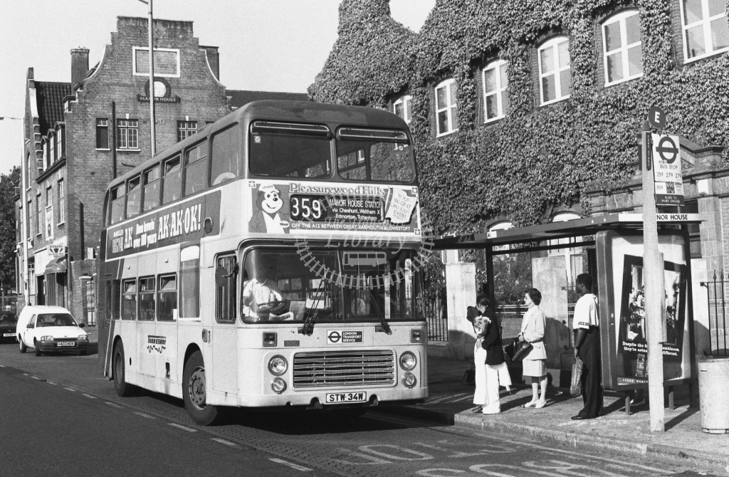 Thamesway Bristol VRT 3090 STW34W at Manor House ,LU Station  in 1989 on route 359 - Russell Fell