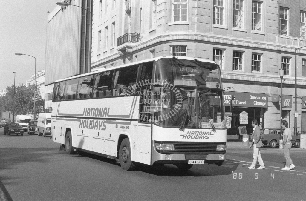 London Country South West Leyland Tiger Class BTL BTL44 C144SPB at Marble Arch ,Oxford St.  in 1988 on route 4Z49 - Russell Fell
